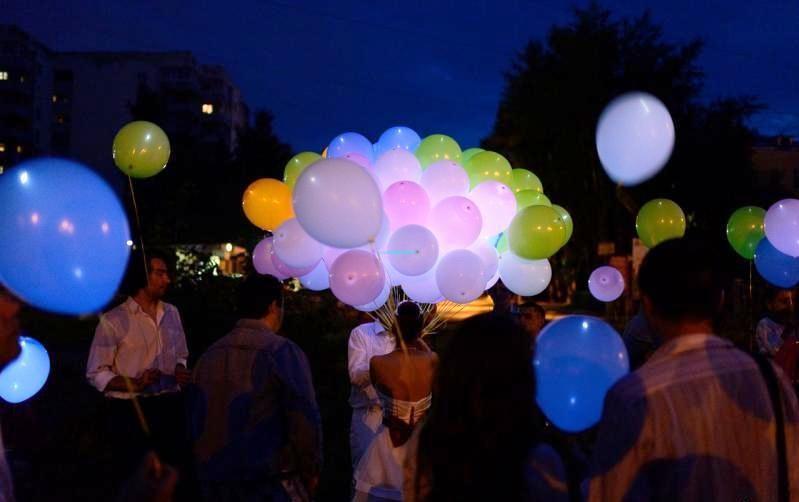Светящиеся шары с гелием 3